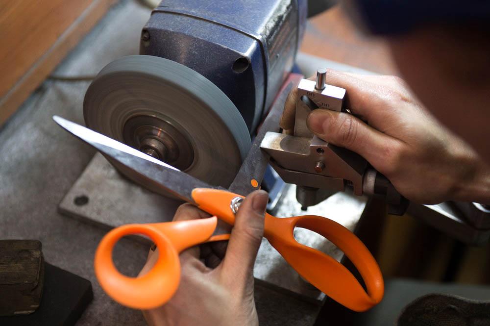 Как наточить ножницы самостоятельно в домашних условиях