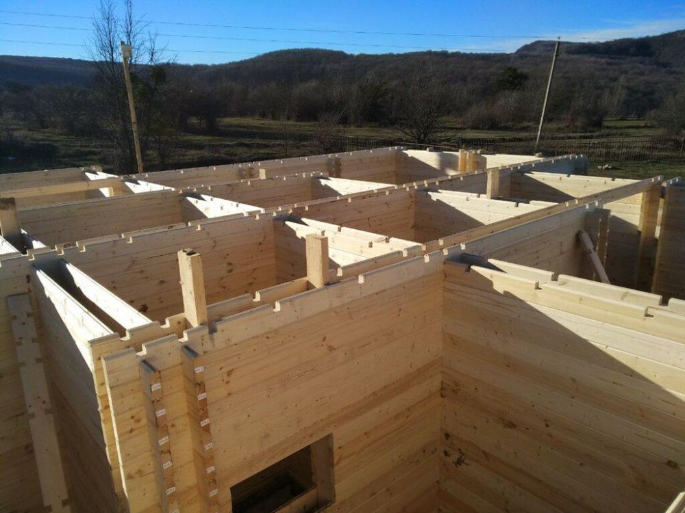 Технология строительства домов из двойного бруса — разбираемся в «за» и «против»