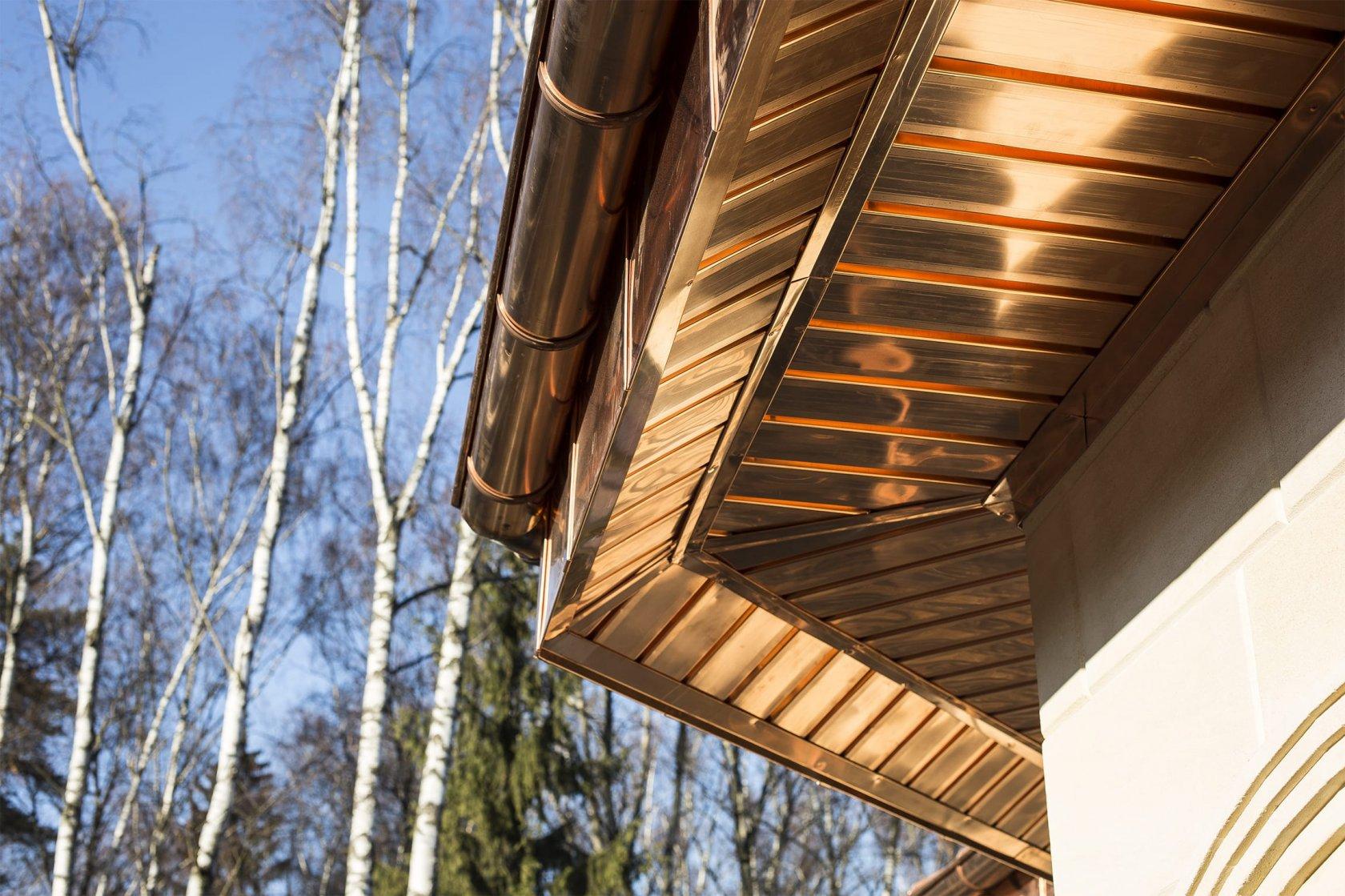 Подшивка крыши софитом — технология выполнения работ: делаем подшивку свесов своими руками